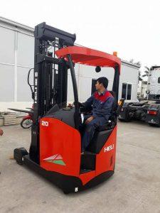 xe nâng reach truck heli 2 tấn