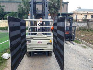 xe kẹp thùng carton 3 tấn