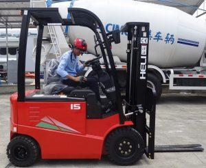 xe nâng hàng heli 1.5 tấn chạy điện