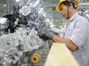 xe nâng điện heli phục vụ nhà máy sản xuất ô tô tại quảng nam