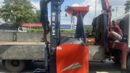 Bán xe nâng điện đứng lái tại HCM